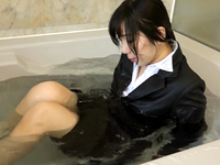 Taking a bath with suit (DW24-4)