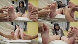 [Foot sole tickling] Popular actress Minami Riona Chan's sole lotion tickling massage! (Series A 3/5)